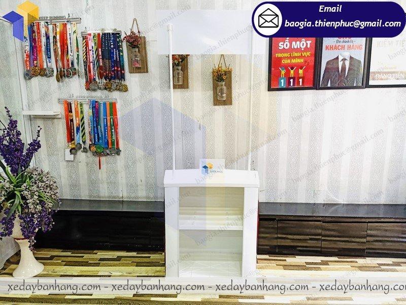 báo giá booth nhựa trưng bày sản phẩm