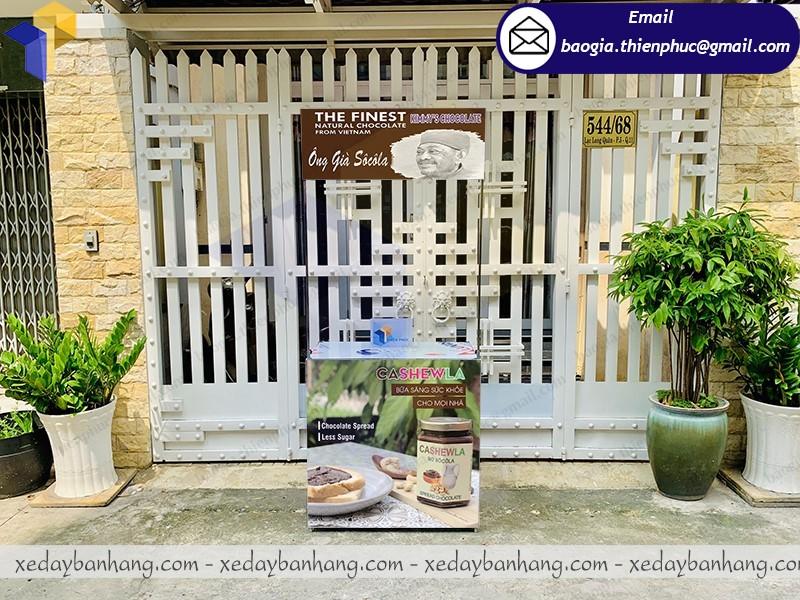booth sắt quảng cáo bơ socola