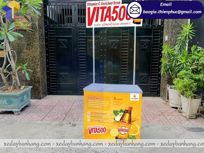 booth nhựa bán nước vitamin