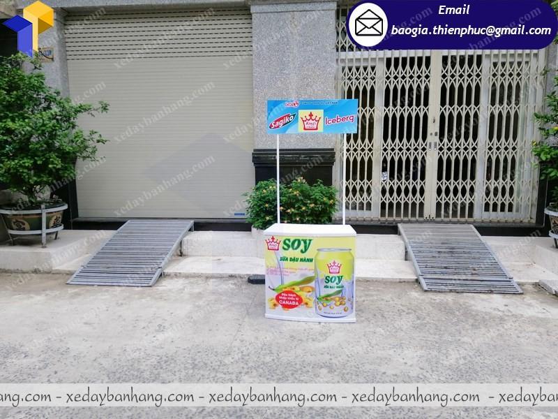 Booth nhựa quảng cáo sữa di động ở sài gòn