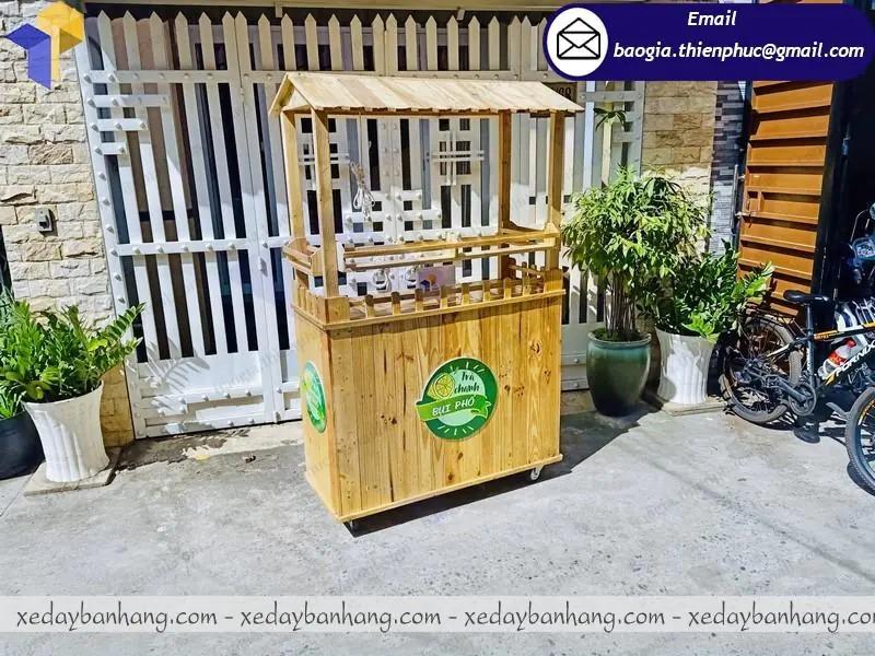mẫu quầy gỗ bán trà chanh vỉa hè đẹp