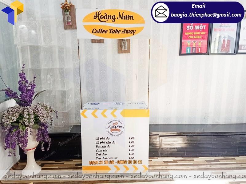 quầy sắt bán cà phê