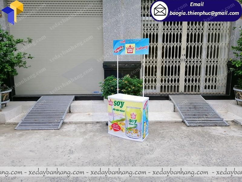 Booth nhựa quảng cáo sữa di động cần thơ