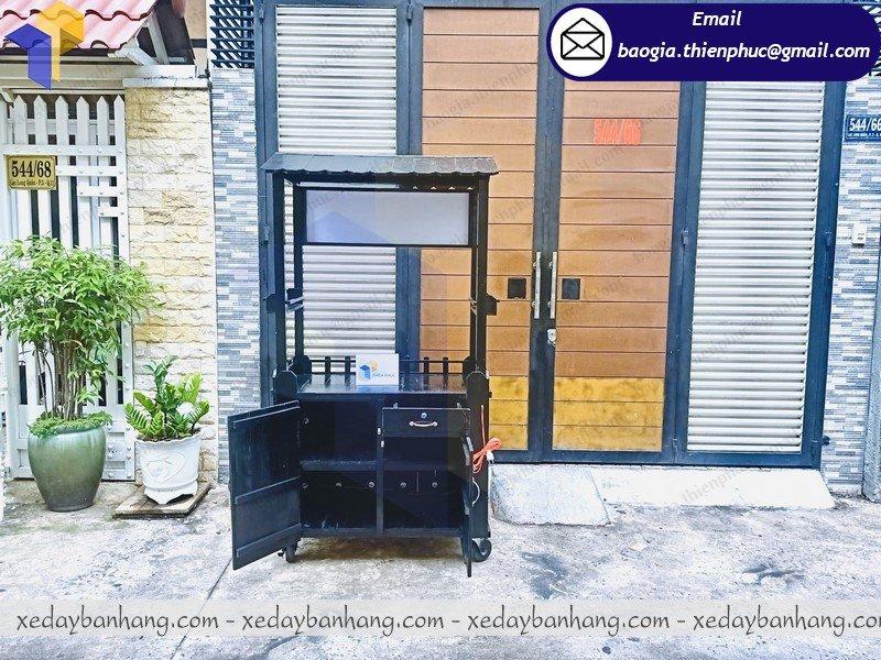 sản xuất tủ bán hàng lưu động bằng gỗ