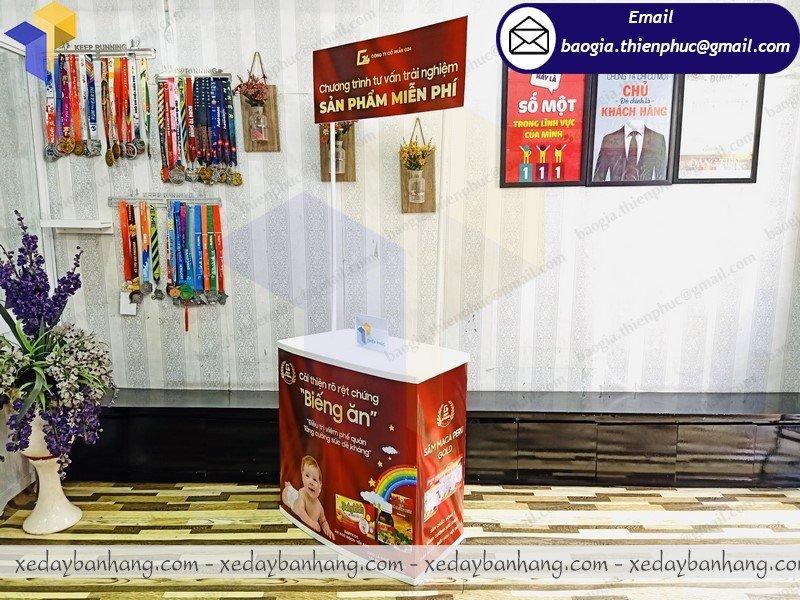 thi công booth nhựa trưng bày sản phẩm
