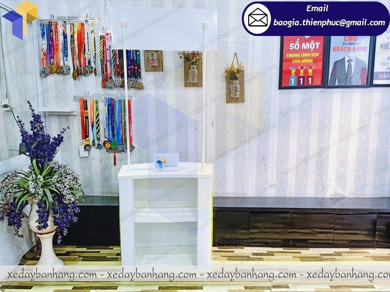 thiết kế  booth nhựa bán hàng hội chợ