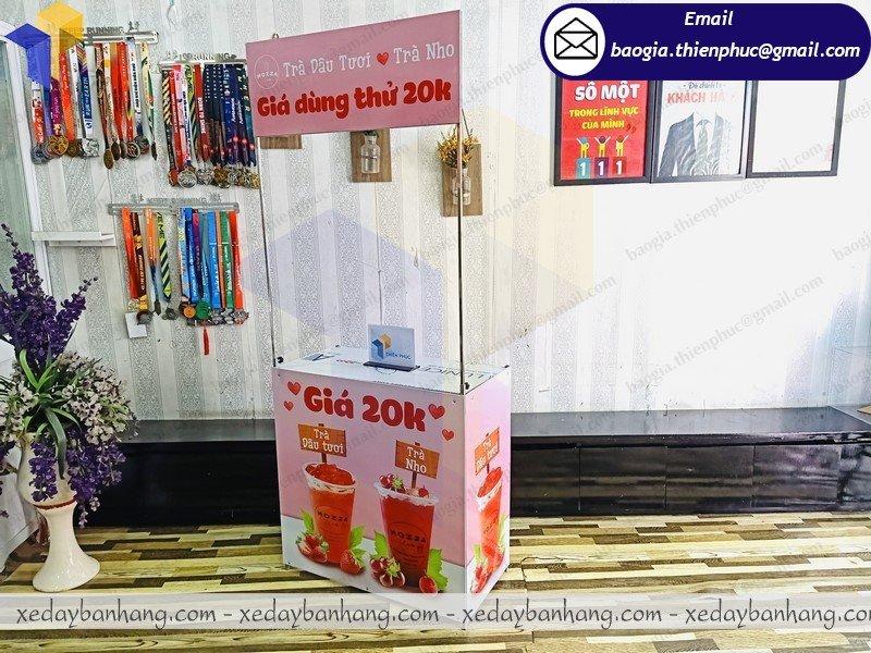 thiết kế booth sắt bán trà dâu