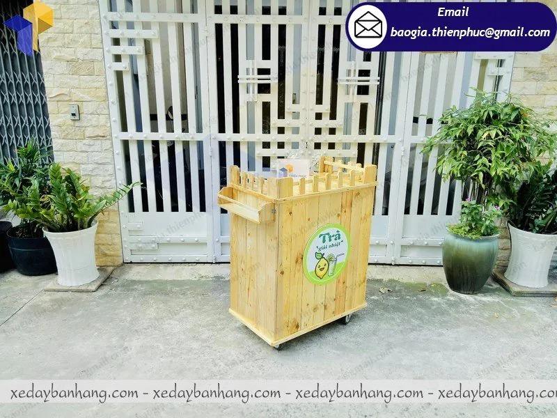 thiết kế quầy gỗ bán nước giải khát