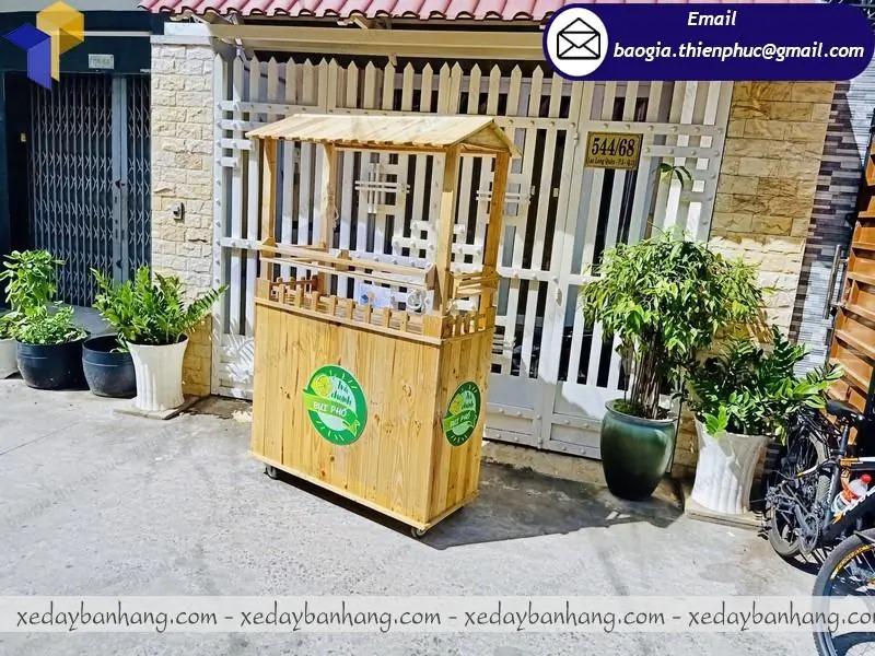 thiết kế quầy gỗ bán trà chanh vỉa hè
