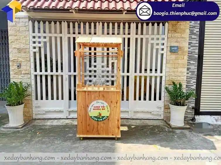 tủ gỗ bán sinh tố di động