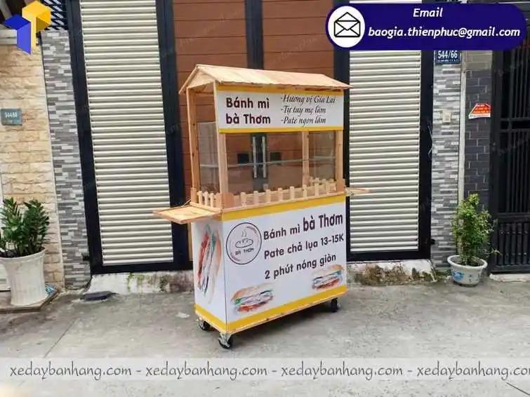 xe đẩy bán bánh mì bằng gỗ đẹp