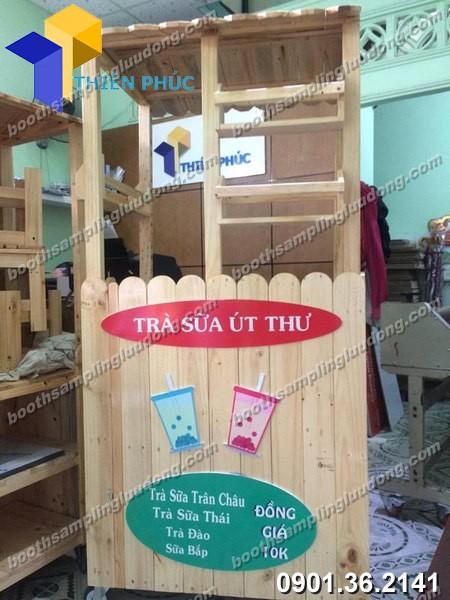 Xe gỗ bán trà sữa túi tại Thiên Phúc