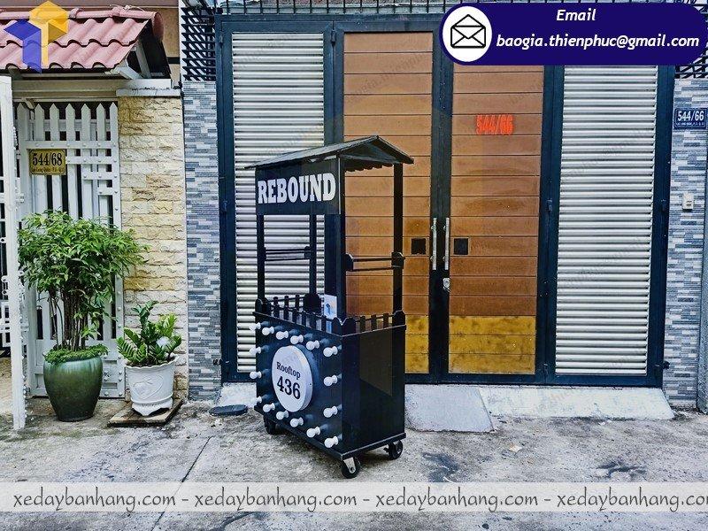 xưởng đóng tủ bán hàng lưu động bằng gỗ